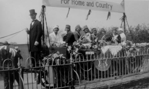 1930s jubilee float WI