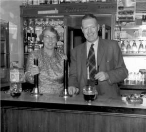 black-horse-bar-staff