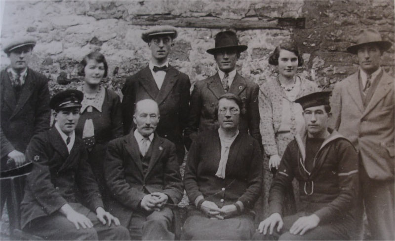 Holpins (back row) Frank, Hilda, Arthur, George & Grace (front row) Percy, William senior , Celia & Jack
