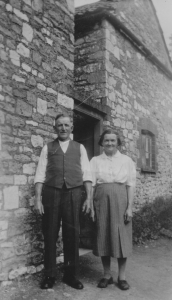 Percy & Edith Reeves at Combe Cottage